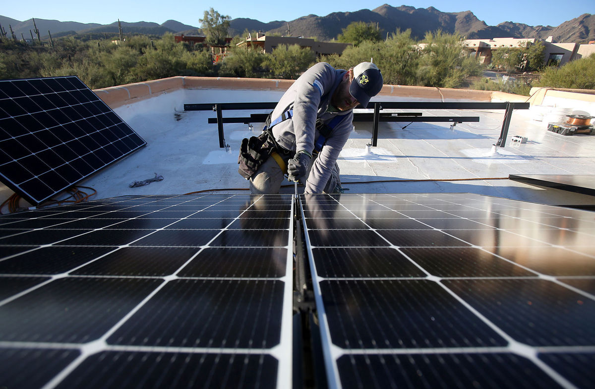 Arizona Corporation Commission urged to fix solar net metering 'grandfathering' issue